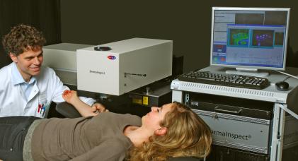 Мультифотонный томограф DermaInspect купить в Техноинфо
